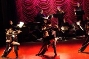 """Proiectul """"Cultura taNGO"""", initiat de Asociatia pentru Cultura si Tango in parteriat cu Academia Nationala de Tango din Austria si cu muzicianul/pianistul/chiaristul Mariano Castro, va dura 6 luni (mai-noiembrie 2015), si va implica maestri de muzica si dans din Romania, Austria si Argentina. Principalele obiective ale proiectului sunt:  Realizarea unei campanii de informare a artistilor dansatori de tango din Romania asupra culturii tango-teatru Argentinian – pentru incurajarea debutului artistic in acest domeniu; Realizarea unui seminar de formare a 10 artisti, dansatori de tango din Romania in arta spectacolului de tango Argentinian; Realizarea a doua spectacole pentru publicul larg in Bucuresti si Craiova, cu muzica live de tango si reprezentantii ale artistilor de tango formati."""